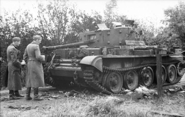 파괴된 영국군 크롬웰 전차들을 살펴보는 독일군 장교 - German Major Werncke of inspects a destroyed British Cromwell tank in Villers-Bocage