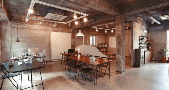 실내건축 - 성당 스타일의 노출 천장 (Exposed ceiling)