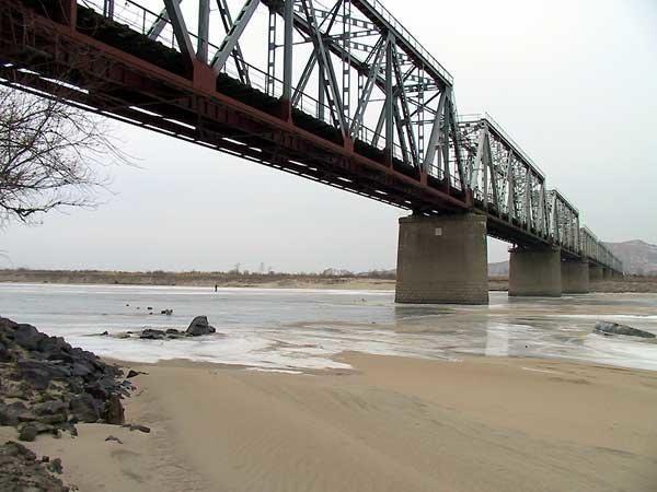 """""""북-러, 자동차 전용 두만강 다리 건설 6월부터 협의"""""""