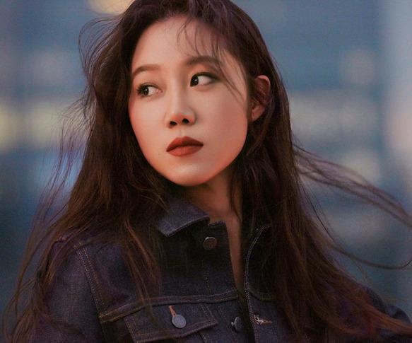 평범한 듯 평범하지 않은 친근한 캐릭터의 배우 '공효진'